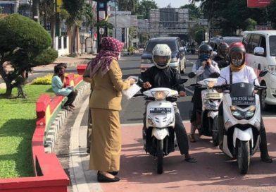 Melalui Satgas, Pemkot Kembali Bagikan 100 Ribu Masker ke Masyarakat