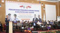 PELANTIKAN. Bupati Way Kanan, Raden Adipati saat menghadiri pelantikan pengurus Karang Taruna, Kabupaten Way Kanan, Rabu (16/6).